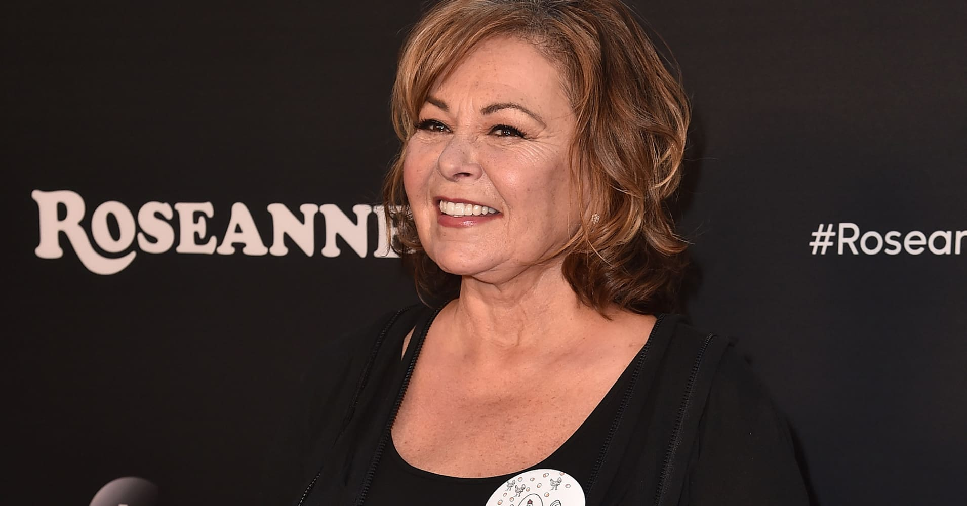 Roseanne Barr apologizes for racist tweet, but retweets people who support her