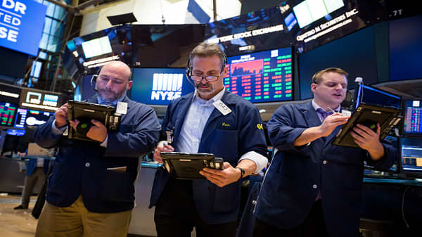 Dow rebounds triple digits at the open as Italy trade risk retreats