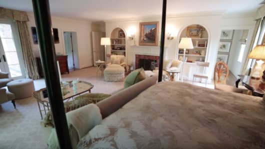 The master bedroom from the childhood home of Jacqueline Kennedy Onassis childhood home McLean, Virginia.