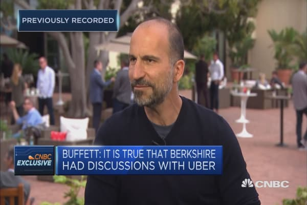 Uber CEO Khosrowshahi is a 'fan boy' of Warren Buffett, but no investment yet