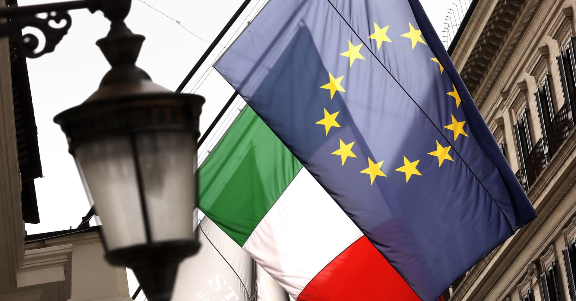 A ratings downgrade for Italy is now forecast to happen within days