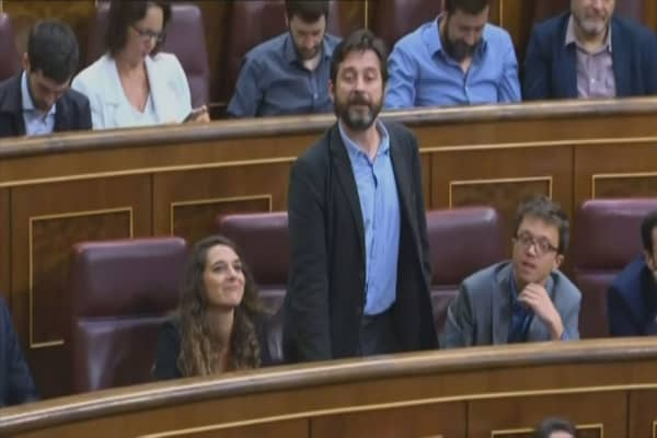 Spain's Rajoy replaced with center-left leader