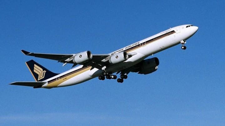 A Singapore Airlines Airbus A340-500