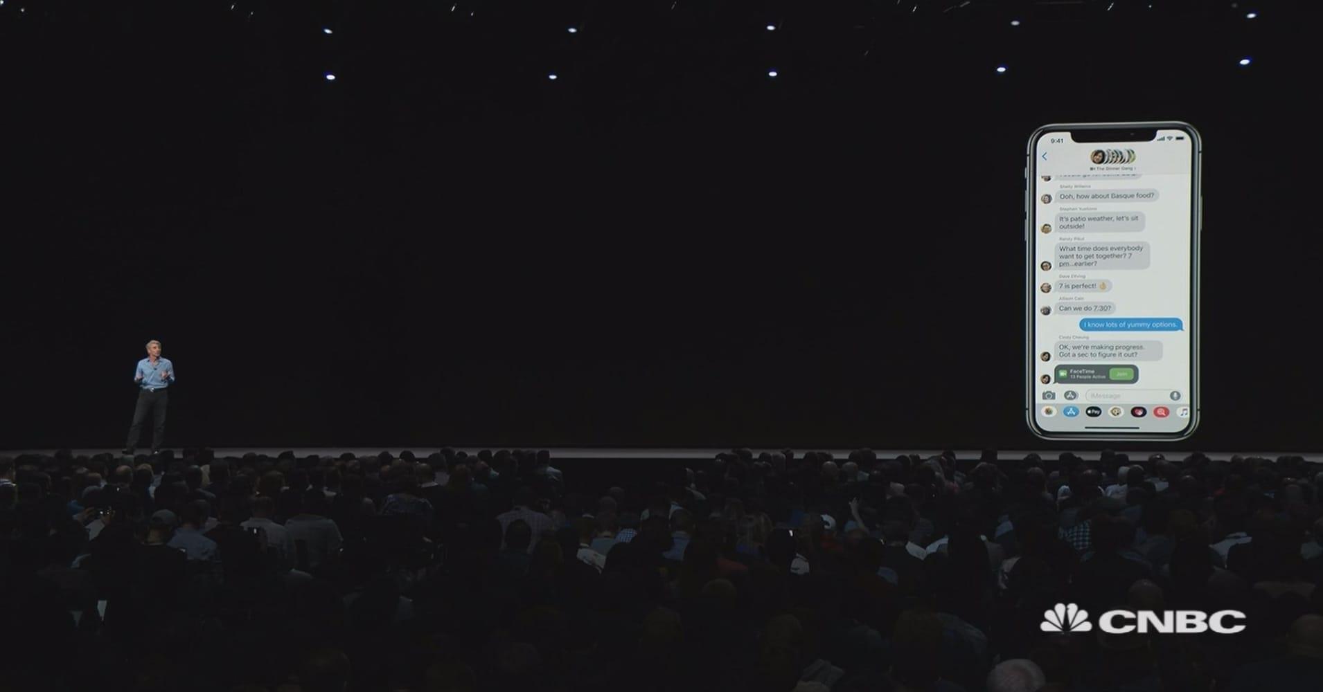 Apple announces group Facetime