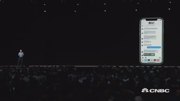 Apple announces group Facetime