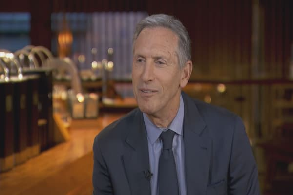 Howard Schultz steps down to explore other opportunities