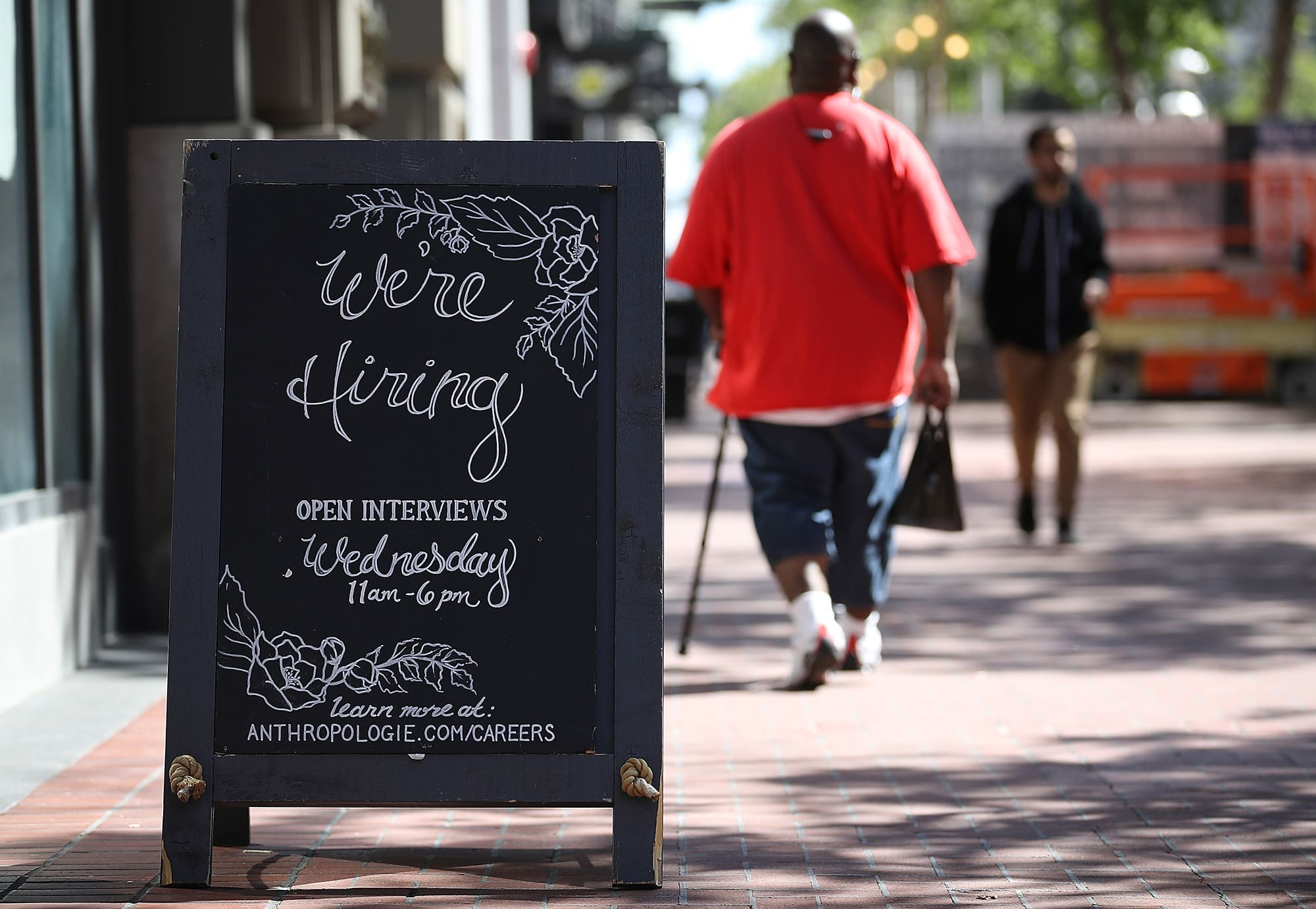 Why Some Companies Are Trying To Hire >> Main Street Pursuing Record High In New Workers But It S A Struggle