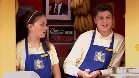 George Michael Bluth with his cousin Maeby at the Bluth Banana Stand in Arrested Development.