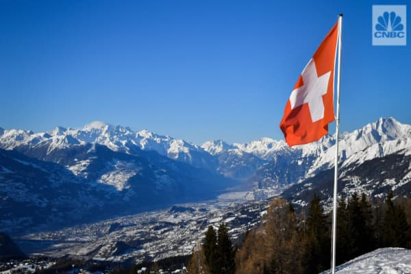 Switzerland to vote in referendum that could prevent banks from 'creating' money