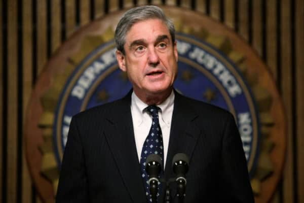 Mueller wants witnesses' personal phones inspected, say sources