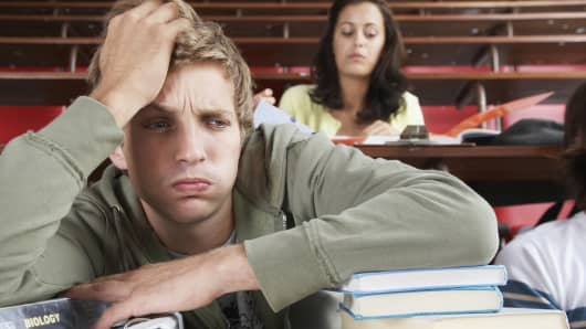 why flunking or dropping that college class will dent your wallet