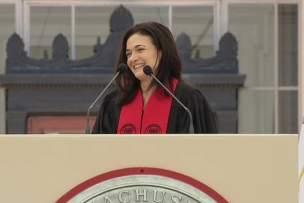 Sandberg speaks at MIT's commencement ceremony.