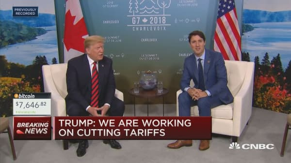 Trump meets with Trudeau