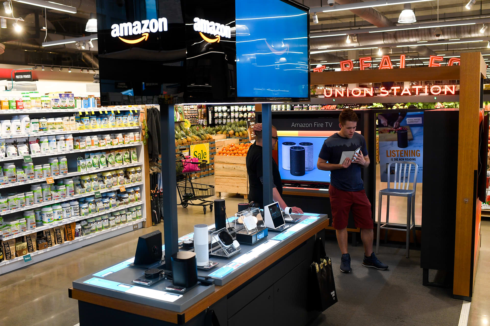 pics Amazon merges retail and Marketplace team to reflect changes