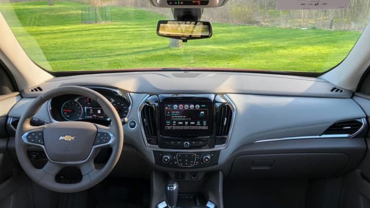 Up front in the 2018 Chevy Traverse