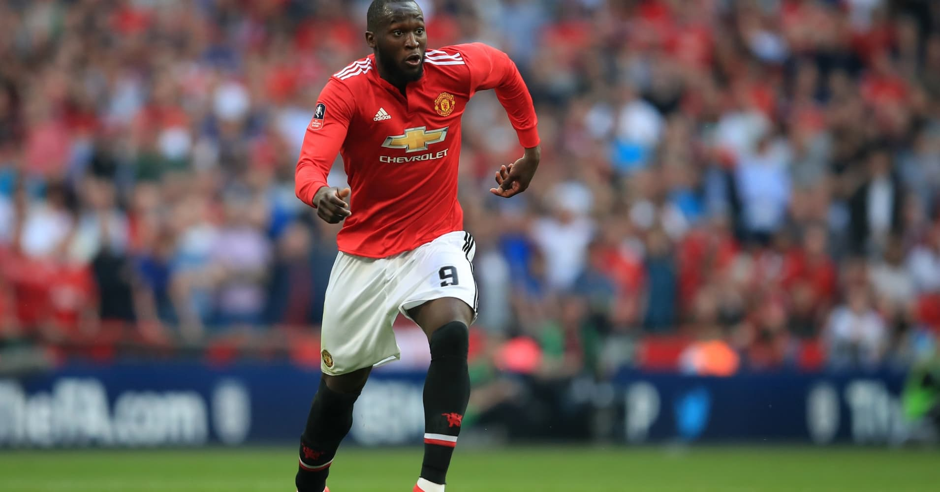 Romelu Lukaku plays for Manchester United