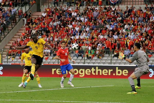 Romelu Lukaku of Belgium scores the third goal to make it 2-1 during the International Friendly match between Belgium and Costa Rica on June 11, 2018 in Brussel, Belgium.