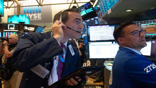 Stocks close lower on trade concerns