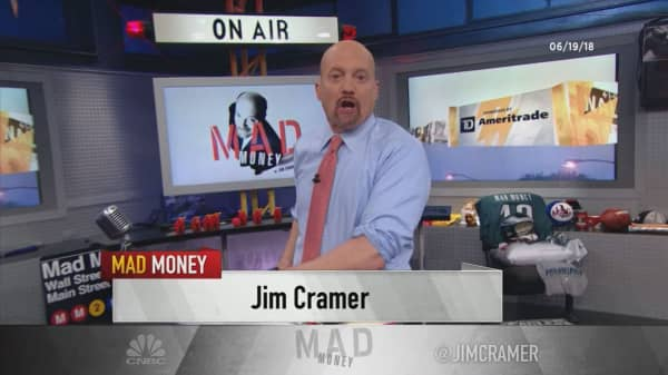 Cramer's lightning round: GE's CEO was dealt 'one of the worst hands that anyone's ever been given'