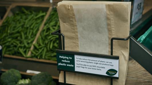 Major Uk Supermarket Morrisons Turns To Paper Bags Reduce Plastic Use