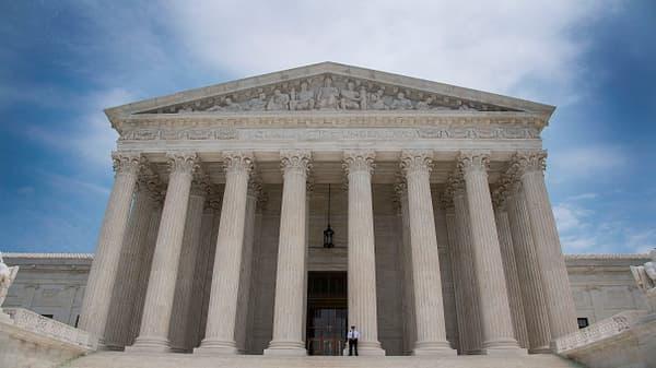 Supreme Court backs Trump travel ban