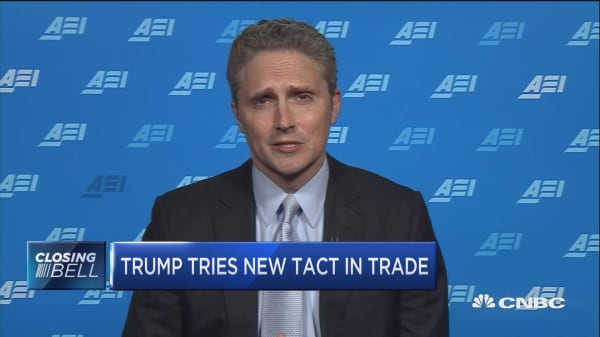 You can't have a trade war and a rising market: Expert