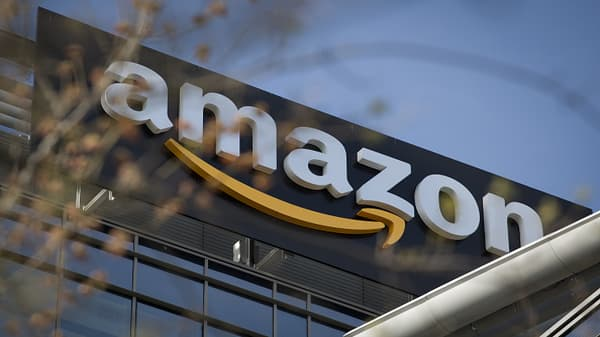 Amazon to buy online pharmacy PillPack