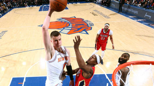 Kristaps Porzingis #6 of the New York Knicks goes to the basket against the New Orleans Pelicans on January 14, 2018 at Madison Square Garden in New York.