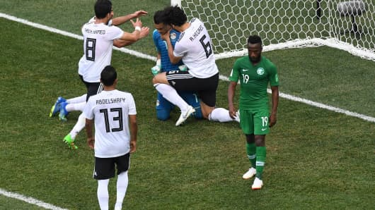 Egypt's goalkeeper Essam El Hadary surrounded by his teammates during the Russia 2018 World Cup Group A football match between Saudi Arabia and Egypt on June 25, 2018.