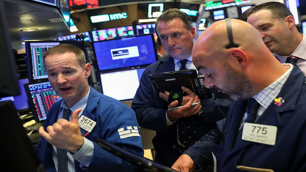 Bank stocks rally after stress tests