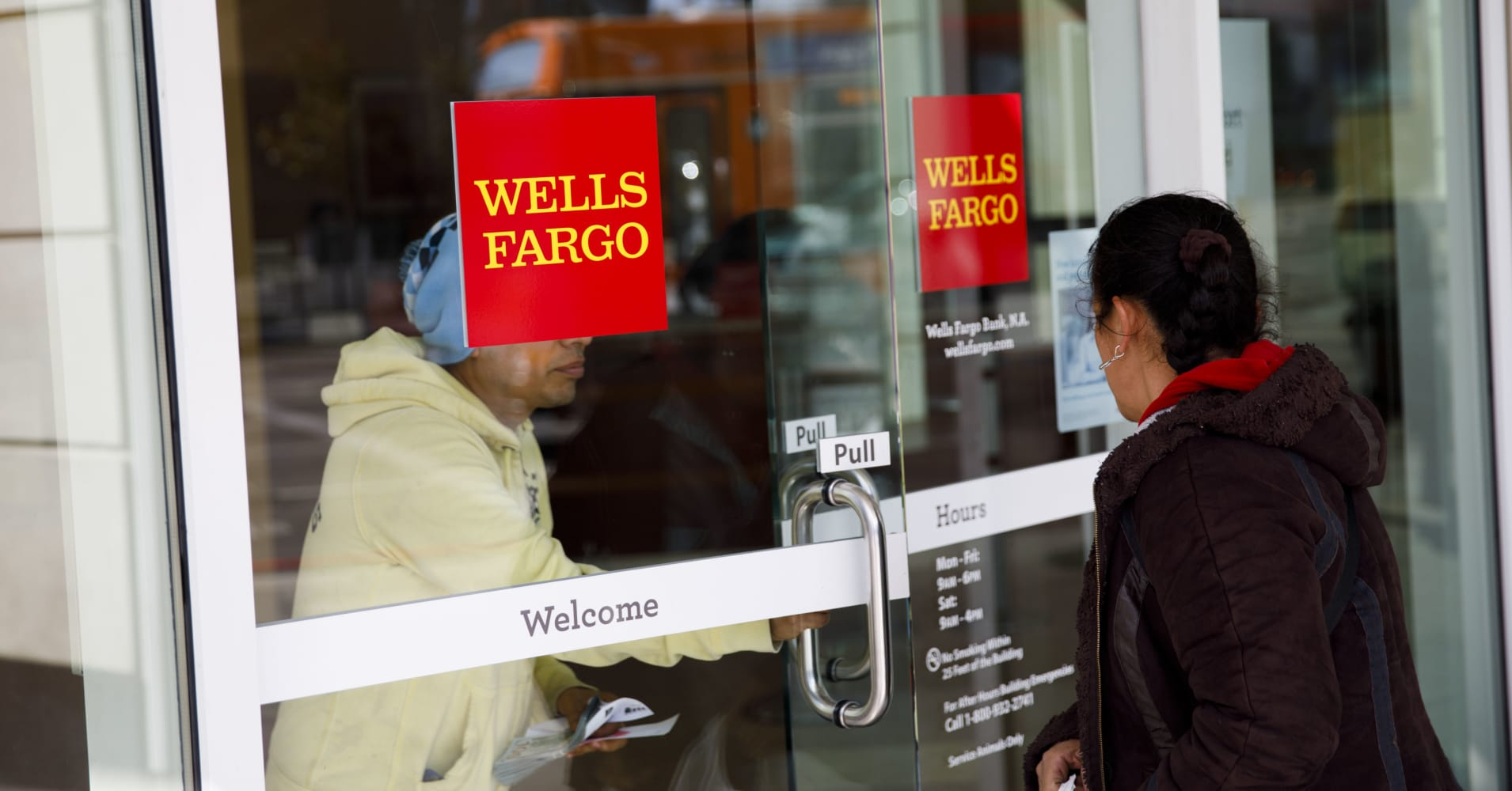 Citi upgrades Wells Fargo shares to buy: 'Issues are moving to rear view mirror'