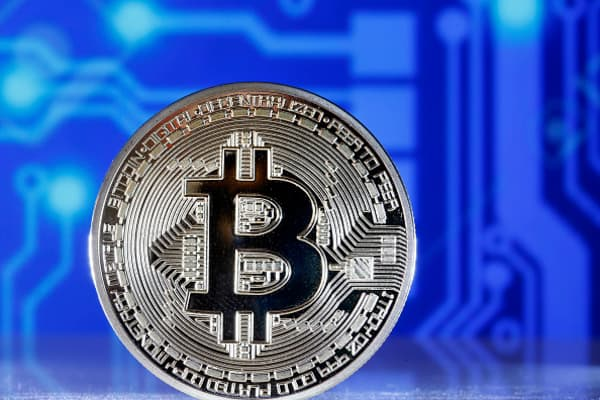 Over 800 cryptocurrencies are now dead as bitcoin feels pressure