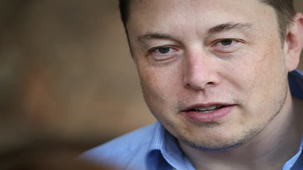 Tesla makes Model 3 production push