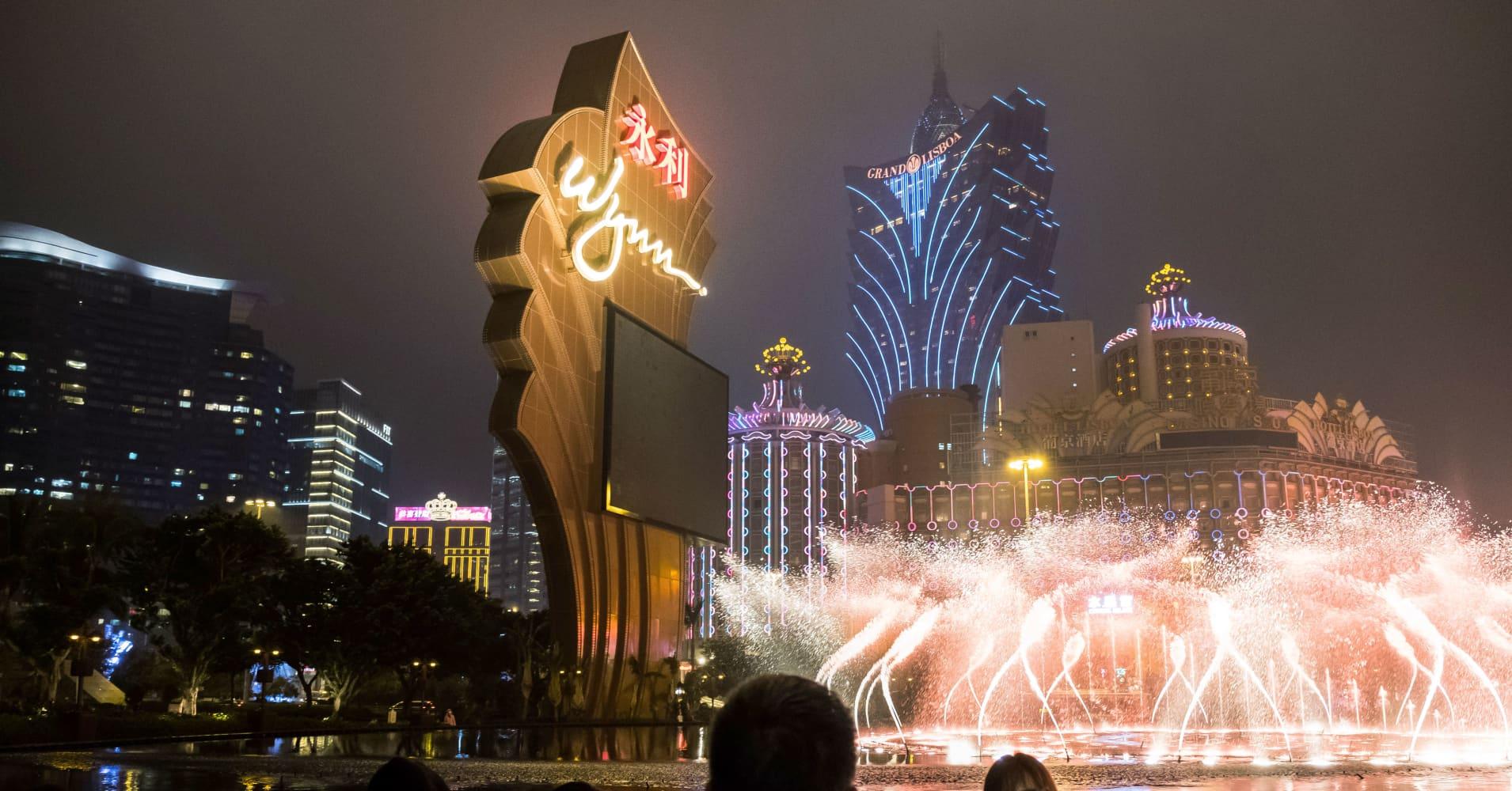 Wynn Resorts shares fall 12 percent as it misses earnings estimates