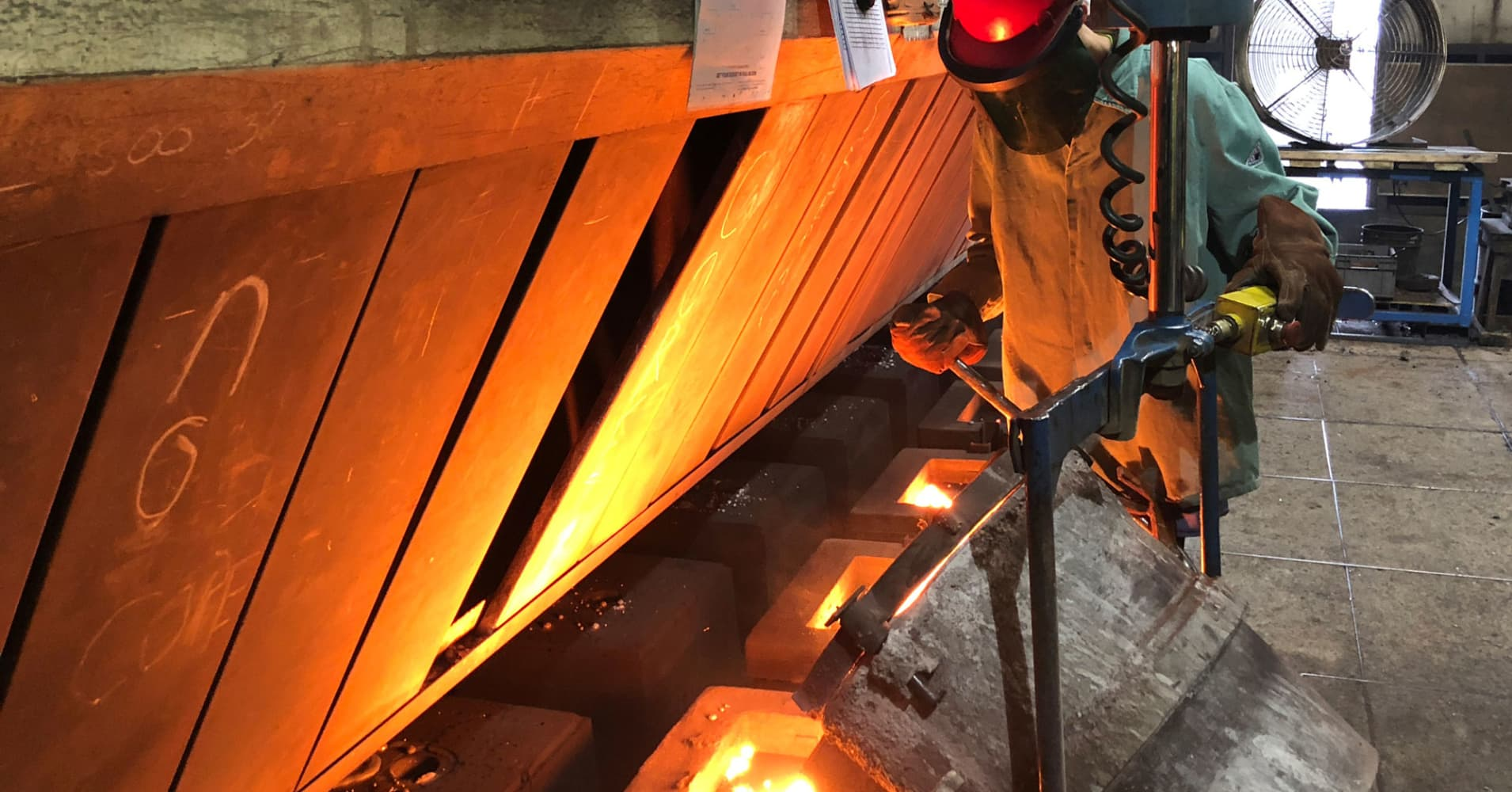 Factory orders rise; business spending on equipment slowing