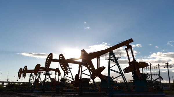 Oil market disruptions and limited supply can't keep oil prices at bay