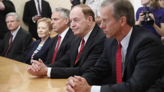 Sen. John Hoeven, congresswoman Kay Granger, US Ambassador to Russia Jon Huntsman Jr,  Sen. Richard Shelby, and United States Sen. John Thune, (L-R) at Russian Foreign Minister Sergei Lavrov's meeting in Moscow, July 3, 2018.