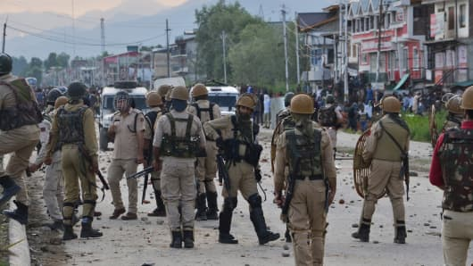 Indian paramilitary troops in the outskirts of Srinagar on 22 June 2018.