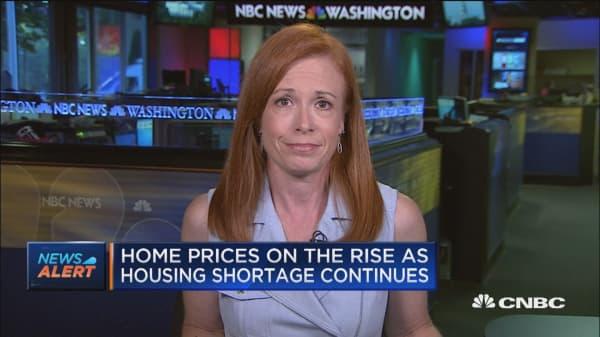 Mortgage applications drop desite dip in rates