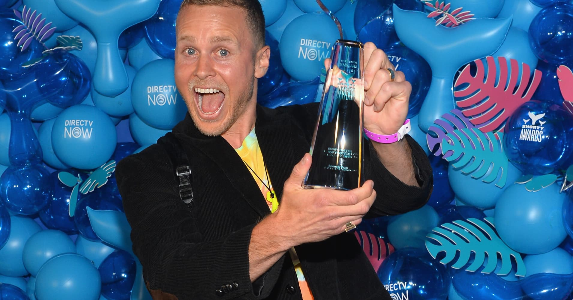 NEW YORK, NY - APRIL 15:  Spencer Pratt poses backstage with the award for Snapchatter of the Year at the 10th Annual Shorty Awards at PlayStation Theater on April 15, 2018 in New York City.  (Photo by Noam Galai/Getty Images for Shorty Awards)