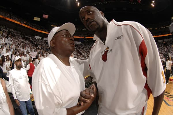 Shaquille O'Neal with his father Phillip Sarge Harrison prior to the start of Game Four of the 2006 NBA Finals