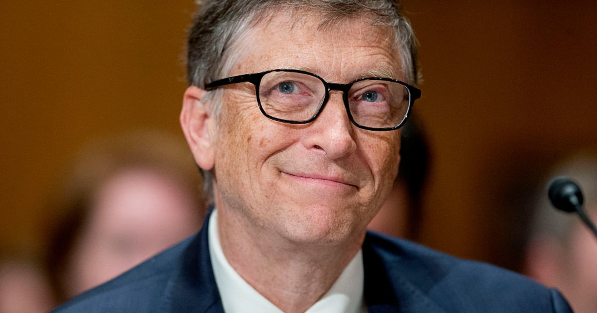 Bill Gates recommends this 'thrilling' book about corruption in finance