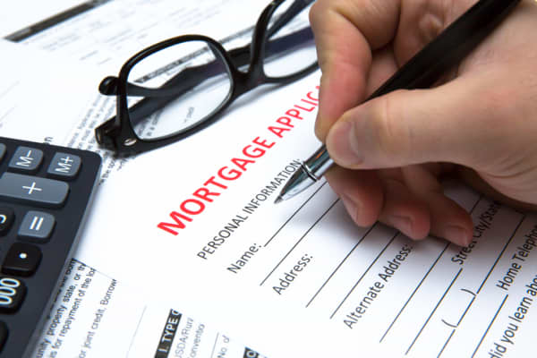 Mortgage applications rise 2.5% as more homes hit the market