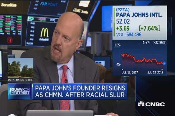 Cramer: Pizza execs say Papa John's is 'falling apart'