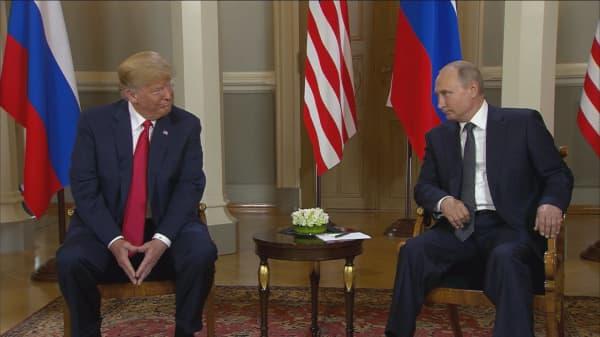 Trump-Putin arrive at Helsinki palace