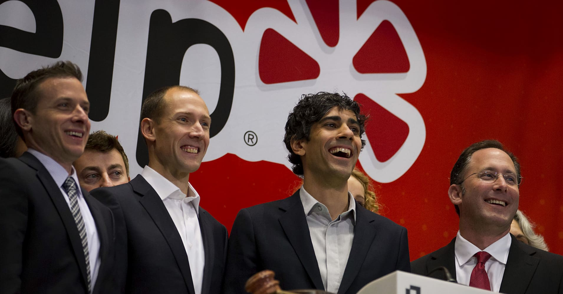 Yelp Tanks More than 25% After Announcing Third Quarter Earnings