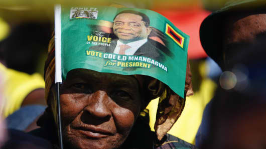 A supporter of Zimbabwean President Emmerson Mnangagwa at a rally in Bulawayo on June 23, 2018.