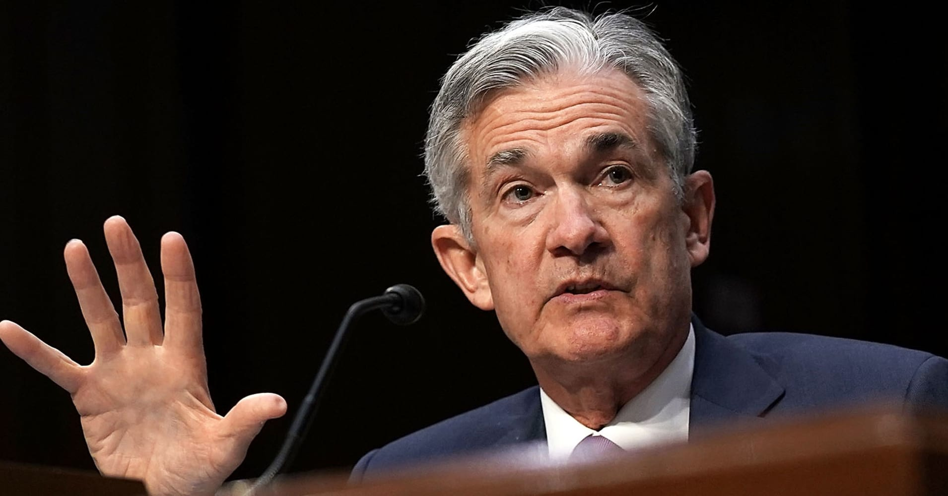 Fed's Powell still has a chance to save the economy before it's too late, Cramer says
