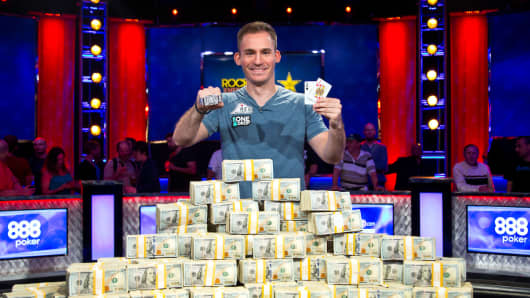 Justin Bonomo wins $10M first prize in World Series of Poker