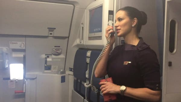 Here's what it's actually like to be a flight attendant